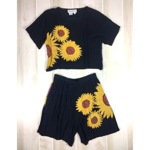 Vintage Sunflower 2-Piece Outfit Size M Top/Shorts